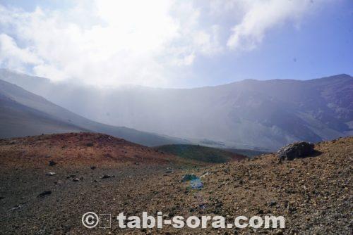 ハレアカラ山クレーター内