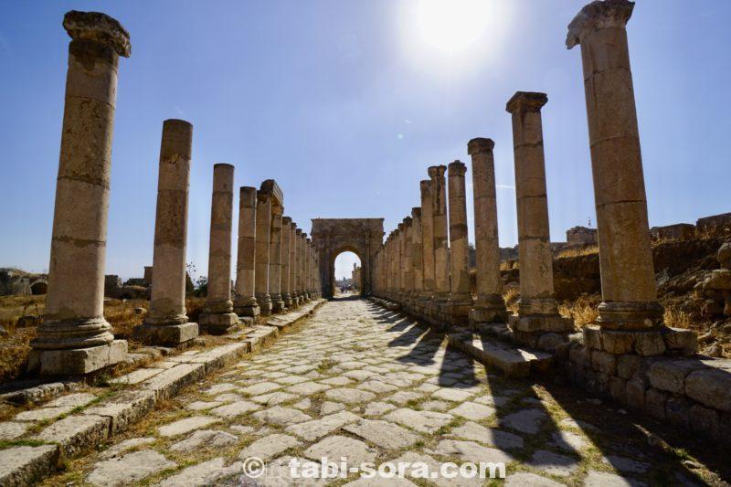 ジェラシュ遺跡の道路