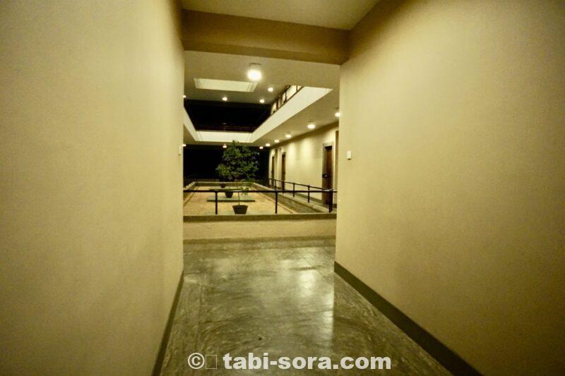 客室付近の廊下